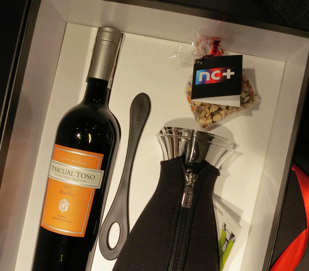 zestaw prezentowy wino karawka