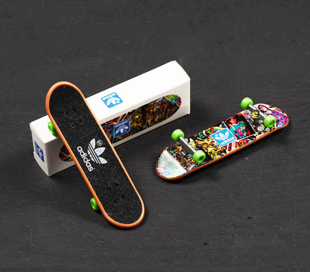fingerboard adidas